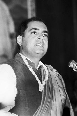 ராஜீவ் காந்தி : மனித உணர்ச்சியே இல்லாத பிண்டமா?