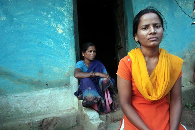 போலீசாரால் கைது செய்து சித்திரவதை செய்யப்பட்ட சுனிதா துலாவி (19)