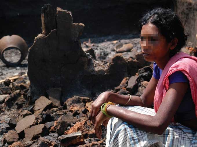 பாதுகாப்பு படையினரால் தாக்கப்பட்டு, கற்பழிக்கப்பட்ட ஐம்லா சோகி