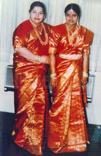 ஜெயா-சசிகலா