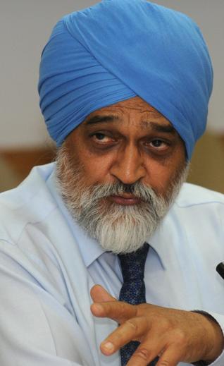 திட்டக் கமிசன் துணைத்தலைவர் மான்டெக் சிங் அலுவாலியா - படம் www.thehindu.com