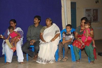 தோழர் சீனிவாசன் குடும்பத்தினர்