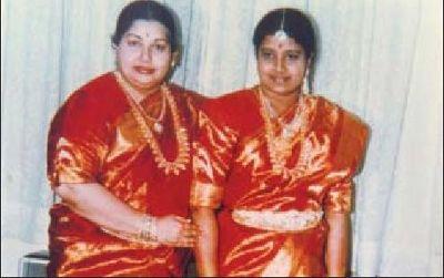 ஜெயா, சசி கும்பல்
