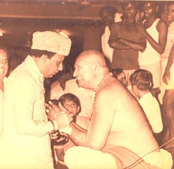 எம்.ஜி.ஆர் - இந்து மதவெறி