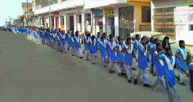 ராஜஸ்தான் பள்ளி மாணவிகள்