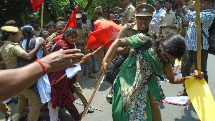 அம்பேத்கர் - பெரியார் வாசகர் வட்டம் தடை - பு.மா.இ.மு கண்டன போராட்டம்