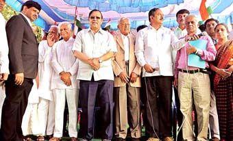 நீதிபதி சந்தோஷ் ஹெக்டேவின் தலைமையில் பெங்களூருவில் நடந்த ஆர்ப்பாட்டம்.