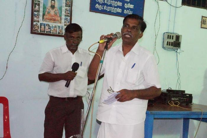 சுரேஷ், சி.பி.ஐ-ன் மாவட்டச் செயலாளர்