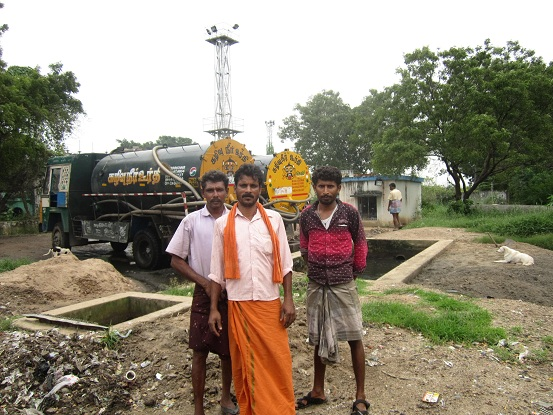 sanitary-workers-flood-relief-assistance (25)