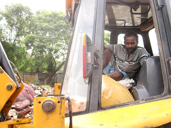 sanitary-workers-flood-relief-assistance (6)