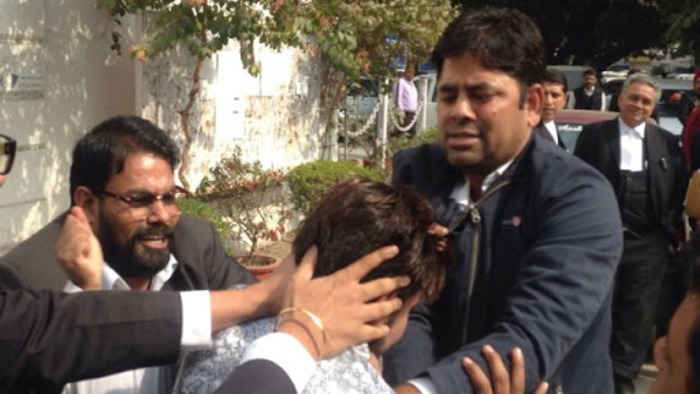rss-thugs-attack-students