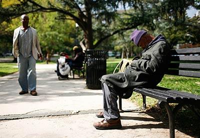 உலகின் முதல் பணக்கார நாடான அமெரிக்காவின் வறுமையின் அளவும் அதன் தனி நபர்கள் கைகளில் புழங்கும்  செல்வத்தின் அளவும் கடந்த 30 ஆண்டுகளில் தாறுமாறாக அதிகரித்துள்ளது தான்