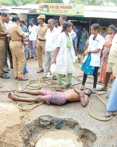 manual-scavenging-killed-in-drainage