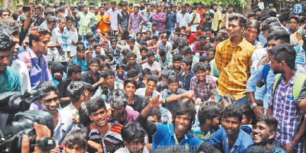 Pachiayappa-College-students-struggle-2