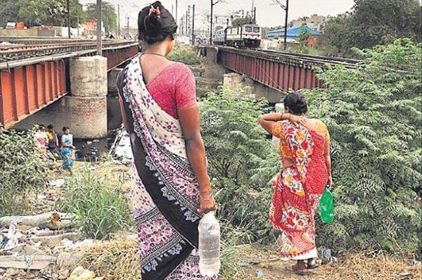 இந்தியாவில் 636 மில்லியன் வீடுகளில் கழிவறை வசதி இல்லை
