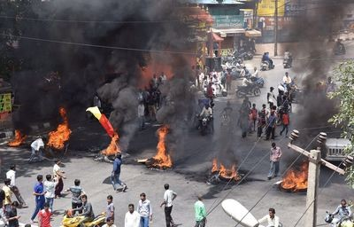 cauvery-issue-karnataka-violence-1