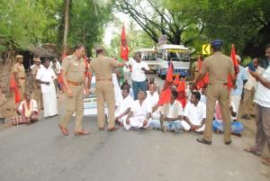 pp-block-road-demanding-cauvery-water-5
