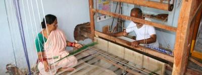 குடும்ப உழைப்பில் இயங்கும் நெசவு தொழில் விளக்கப்படம்