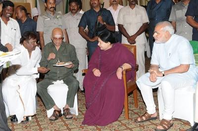 Vijayakanth-and-Tamilnadu-cm-jayalalitha-party-(11)