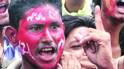 உனா தாக்குதலுக்கு எதிராக குஜராத் தலித் மக்கள் போராட்டம்!