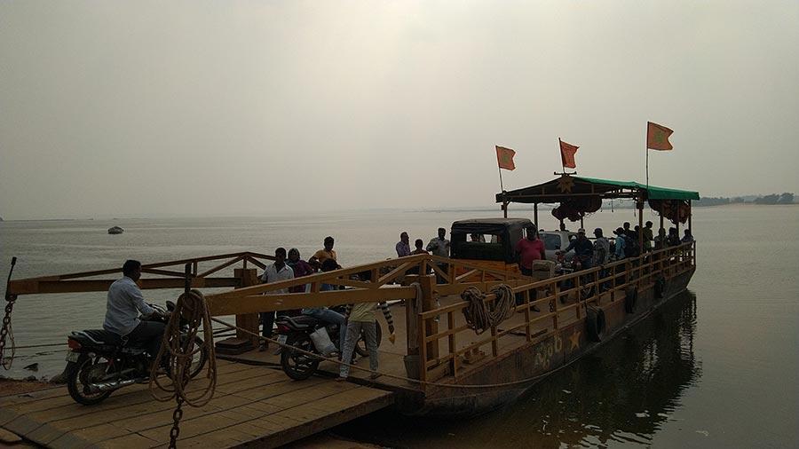 கோதாவரி படகு பயணம்