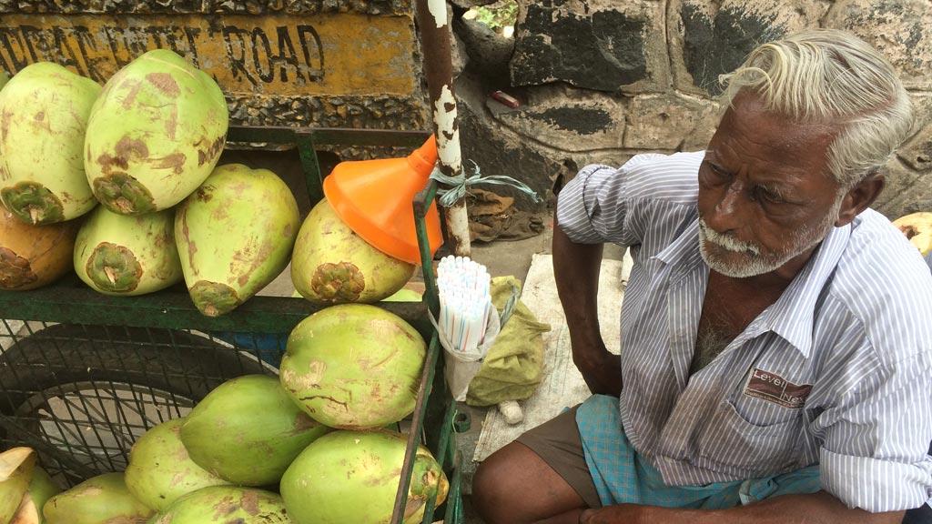 பைசாவா சேத்தாலே ஒன்னும் காணல! இதுல இளநீரை டெய்லி குடிக்க முடியுமா? | படக் கட்டுரை | வினவு