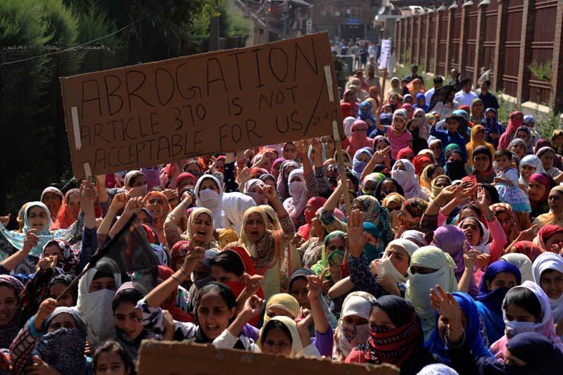Kashmir-Life-Siege 2