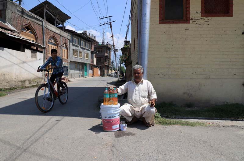Kashmir-Life-Siege